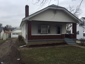 1015 Millville Ave 2 Beds House for Rent Photo Gallery 1