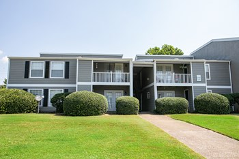2100 Thicket Place 1-3 Beds Apartment for Rent Photo Gallery 1