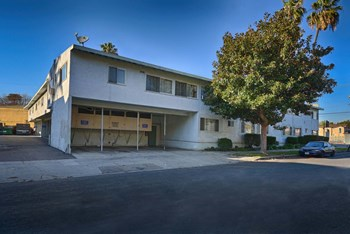 9800 National Blvd. 1-2 Beds Apartment for Rent Photo Gallery 1