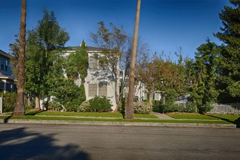 1227 19th Street Studio-2 Beds Apartment for Rent Photo Gallery 1
