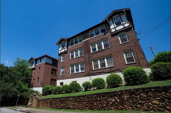 Highland Court Apartments Avenue