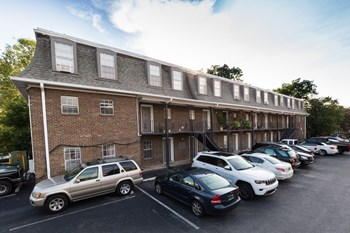 2901-2905 Rhodes Circle South 1-2 Beds Apartment for Rent Photo Gallery 1