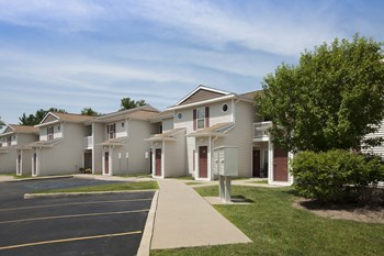 121 Columbia Gardens 3 Beds Apartment for Rent Photo Gallery 1