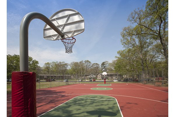 Oakview apartments one homestead drive coram ny rentcaf for Personal basketball court