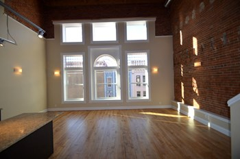 203-207 South 4Th Street 1 Bed Apartment for Rent Photo Gallery 1
