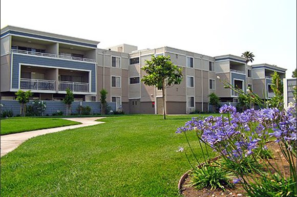 Summer House Apartments, 433 Buena Vista Avenue, Alameda, CA - RENTCafé