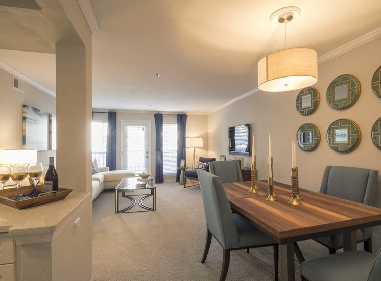 Family Room at The Stratford Apartments in Sandy Springs, GA