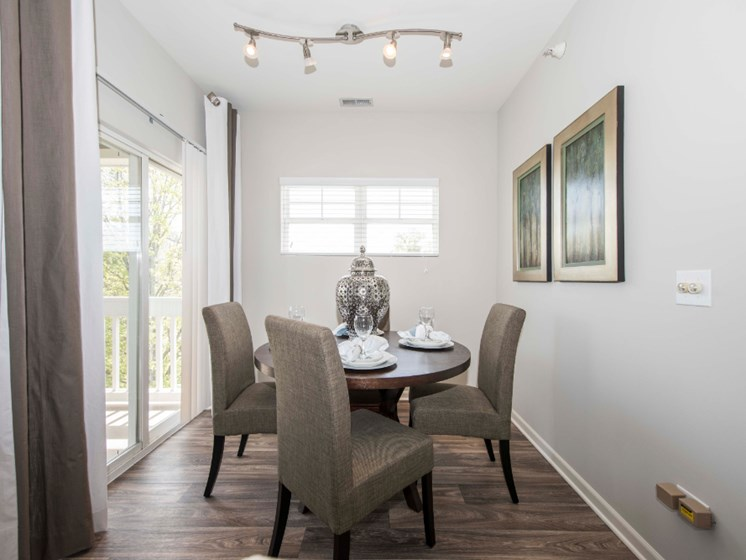 Dining Room Picture