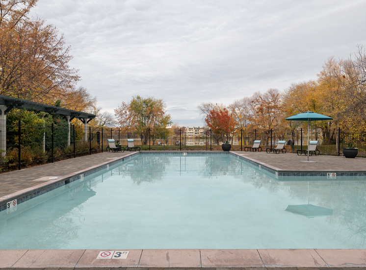 Pool With Sunning Deck at Edgewater Apartments, Idaho, 83703