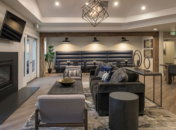 Clubroom With Smart Tv And Fireplace at Edgewater Apartments, Idaho