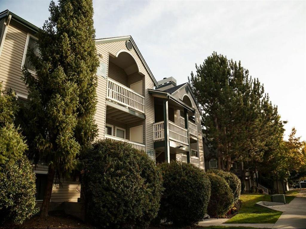 Edgewater Apartments photogallery 4