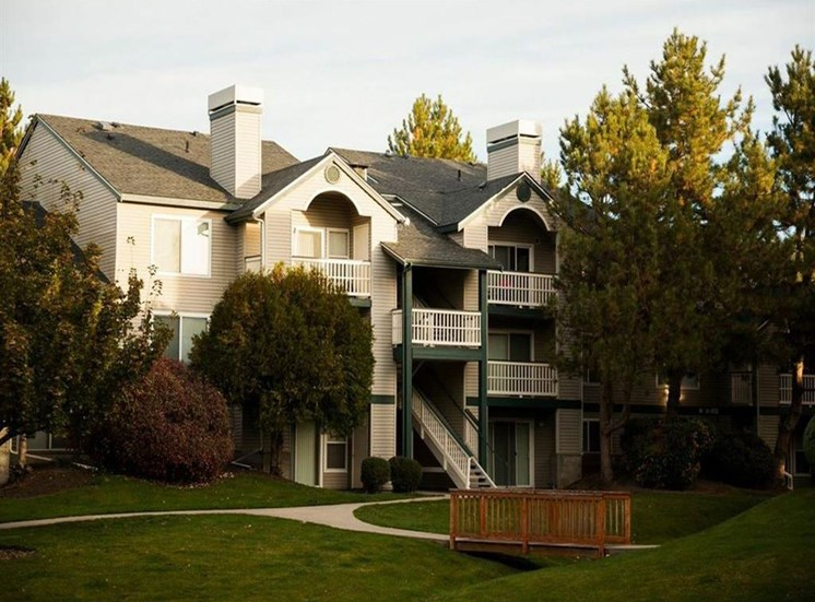 Property Exterior at Edgewater Apartments, Boise, 83703
