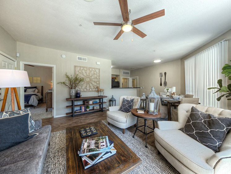 Avondale-AZ-Crystal-Springs-Apartments-living-Area