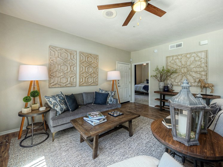 Avondale-AZ-Crystal-Springs-Apartments-living-room