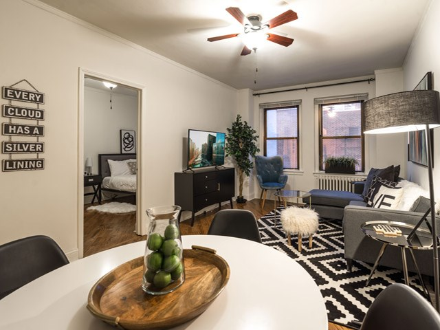 14 West Elm Apartments | Apartments in Chicago, IL | RENTCafe
