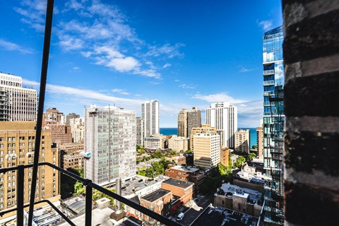 Best City Views at 14 West Elm Apartments, Illinois
