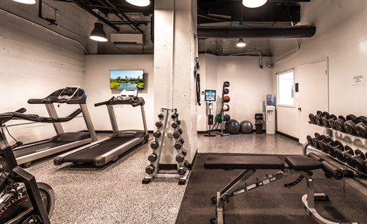 24 Hour Fitness Center at 14 West Elm Apartments, Illinois