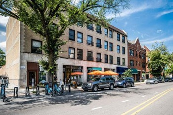 1310 Chicago Avenue Studio Apartment for Rent Photo Gallery 1