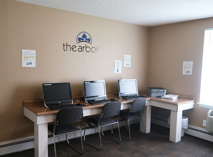 Business Center at the Arbors