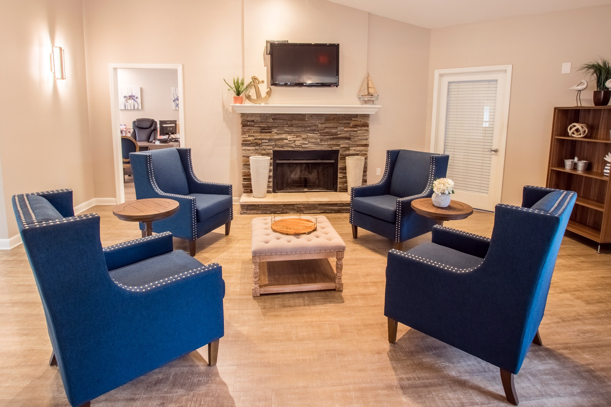 Resident Lounge at Sawgrass Cove Apartments in Bradenton, FL