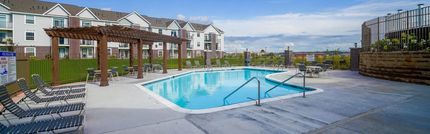 Large Outdoor Swimming Pool at Andover Pointe Apartment Homes, La Vista, NE 68138