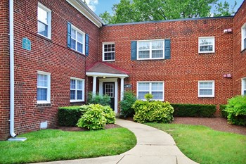 6004 Parkland Ct 1-2 Beds Apartment for Rent Photo Gallery 1