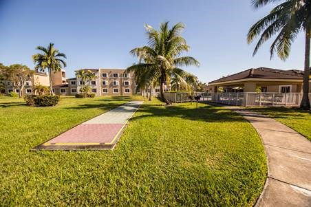 wide view of apartment complex buildings_Westview Gardens Apartments Miami, Florida