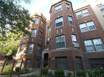 6300 N Winthrop Avenue 2-3 Beds Apartment for Rent Photo Gallery 1