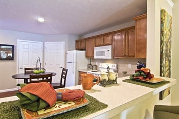 8300 Ira Drive 2 Beds Apartment for Rent Photo Gallery 1