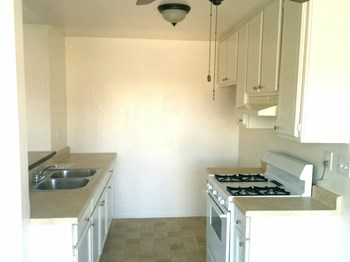 1234 N. Edgemont St. 1-2 Beds Apartment for Rent Photo Gallery 1