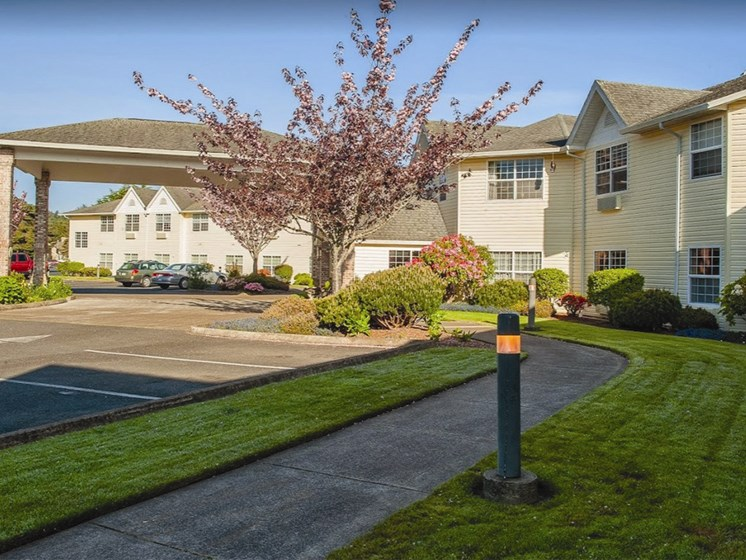 Green Space Walking Trails at Lakeview Senior Living, Lincoln City, 97367