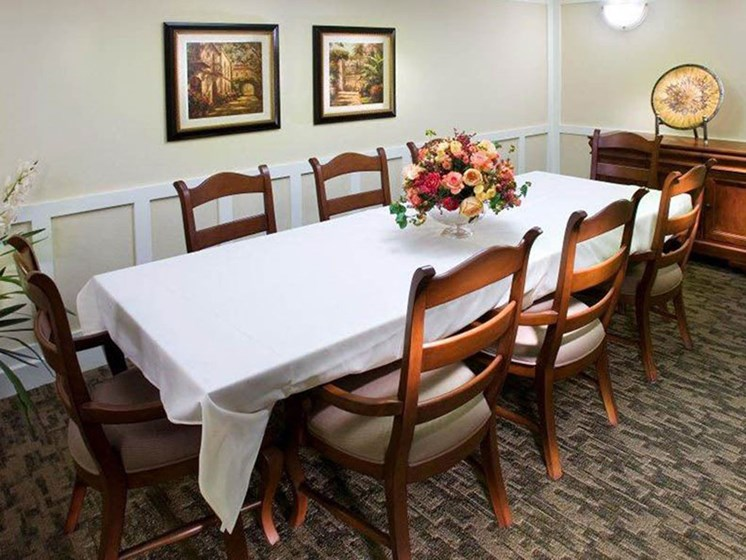 luxurious-dining at Westmont of Brentwood, California, 94513