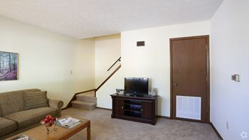 9 Garden Lane/6282 Beech Drive 2 Beds Apartment for Rent Photo Gallery 1