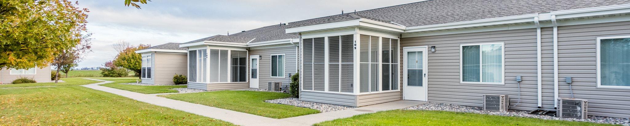 SummerField Fertile Cottage Apartments