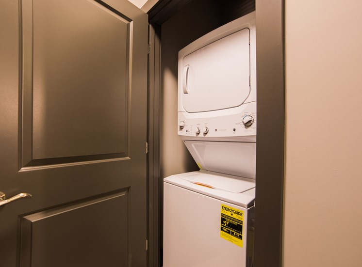 The Flats at Austin Landing Apartments in Miamisburg, OH - Apartments with Washer and Dryer