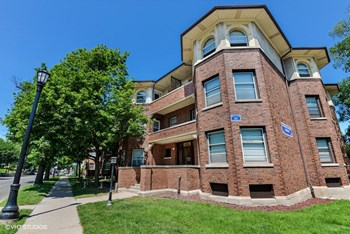 1703-13 Ridge Ave. 2-4 Beds Apartment for Rent Photo Gallery 1