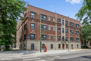2300-02 N. Sheffield Ave. 1 Bed Apartment for Rent Photo Gallery 1