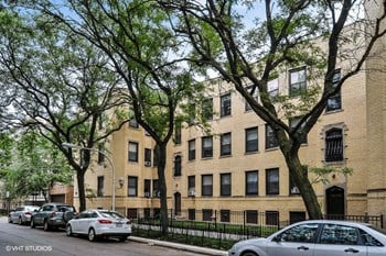 2901-11 N. Seminary Ave. Studio-1 Bed Apartment for Rent Photo Gallery 1