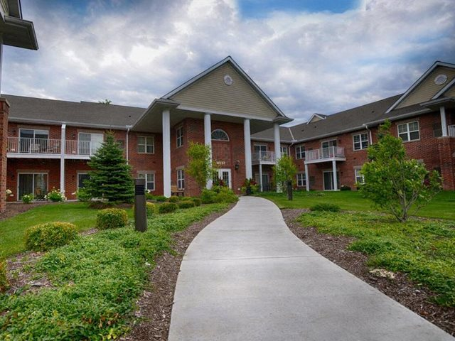 Lush landscaping With Walking Trails at Highlands at Riverwalk Apartments 55+, Mequon, WI,53092