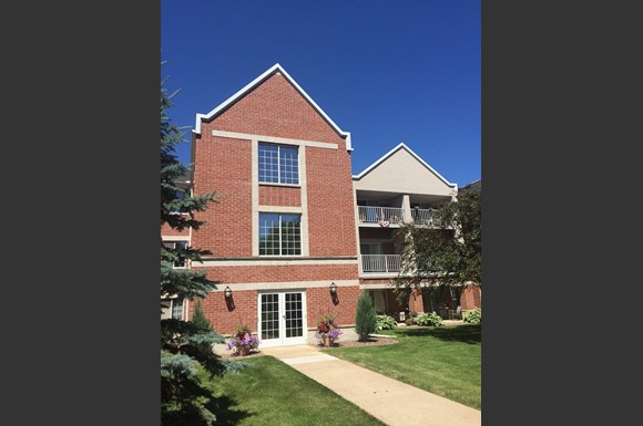 Beautifully Landscaped Grounds at Nicolet Highlands Apartments 55+, DePere, WI