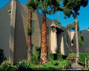 1000 E. LA Palma Ave. 1-2 Beds Apartment for Rent Photo Gallery 1
