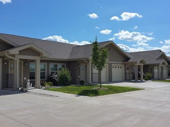 460 Pioneer Drive #614 1-3 Beds Apartment for Rent Photo Gallery 1