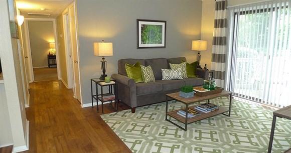 Studio Apartment Greenville Sc twenty5 pelham apartments, 25 pelham road, greenville, sc - rentcafé