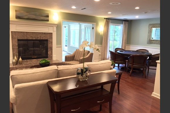 Renovated Apartment Homes Available at Parkwood Highlands Apartments & Townhomes 55+, 53151