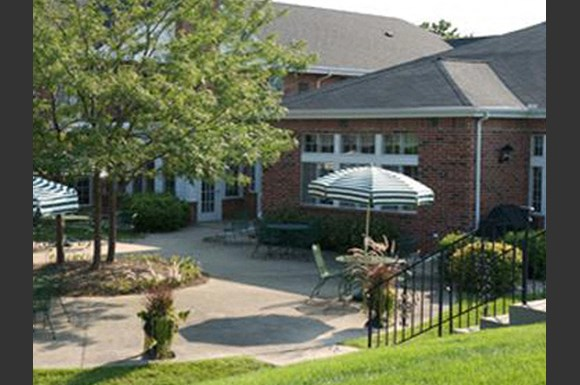 Courtyard Cabanas at Wildwood Highlands Apartments & Townhomes 55+, Menomonee Falls, WI,53051