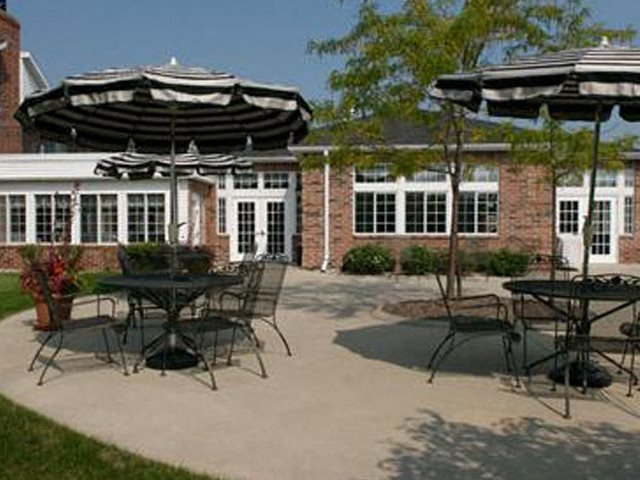 Courtyard Cabanas at Ridgeview Highlands Apartments & Townhomes,640 Ridgeview Circle,WI,54911