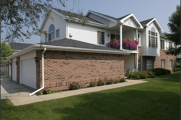 Ridgeview Highlands Apartments & Townhomes,640 Ridgeview Circle,Appleton,54911,Wisconsin has Gated Entrance