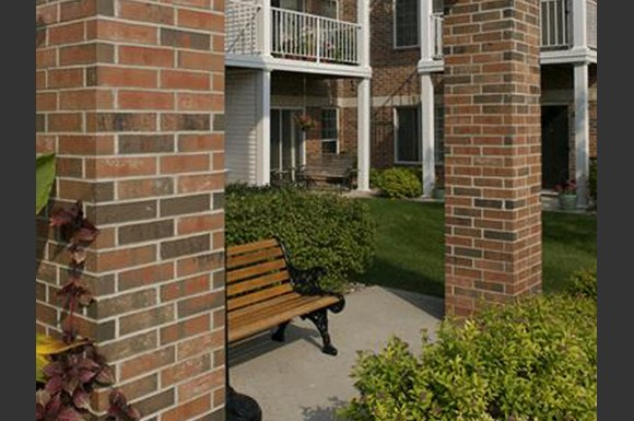 Private Patios at Parkway Highlands Apartments & Townhomes 55+, Green Bay, WI,54302