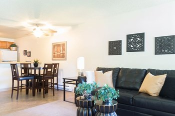 302 Greentree Ct 1-2 Beds Apartment for Rent Photo Gallery 1