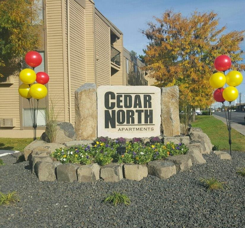 Richland, WA Cedar North Apartments sign